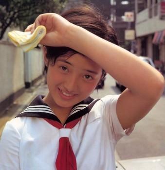Canalblog_JPop_Momoe_Yamaguchi01.jpg